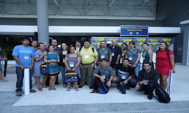 Parte do grupo de professores e alunos da FURG presentes no evento